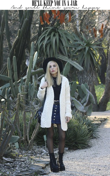 the black effect blogger coat sweater skirt shoes hat