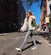 coat,faux fur coat,grey jeans,skinny jeans,ankle boots,blouse,sunglasses