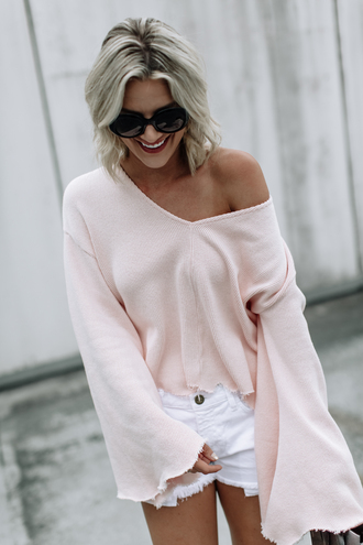 so sage blogger top shorts shoes sunglasses pink sweater bell sleeve sweater white shorts fall outfits