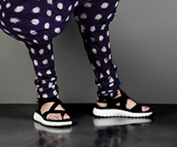shoes sandals elastic rubber black and white sports shoes cool pois confortable