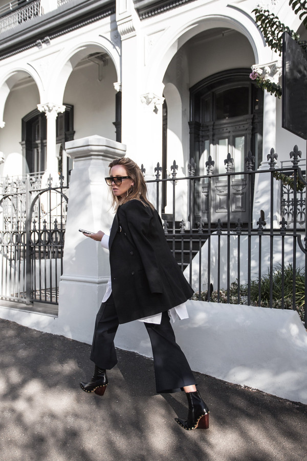 oracle fox blogger shirt jacket shoes sunglasses jewels
