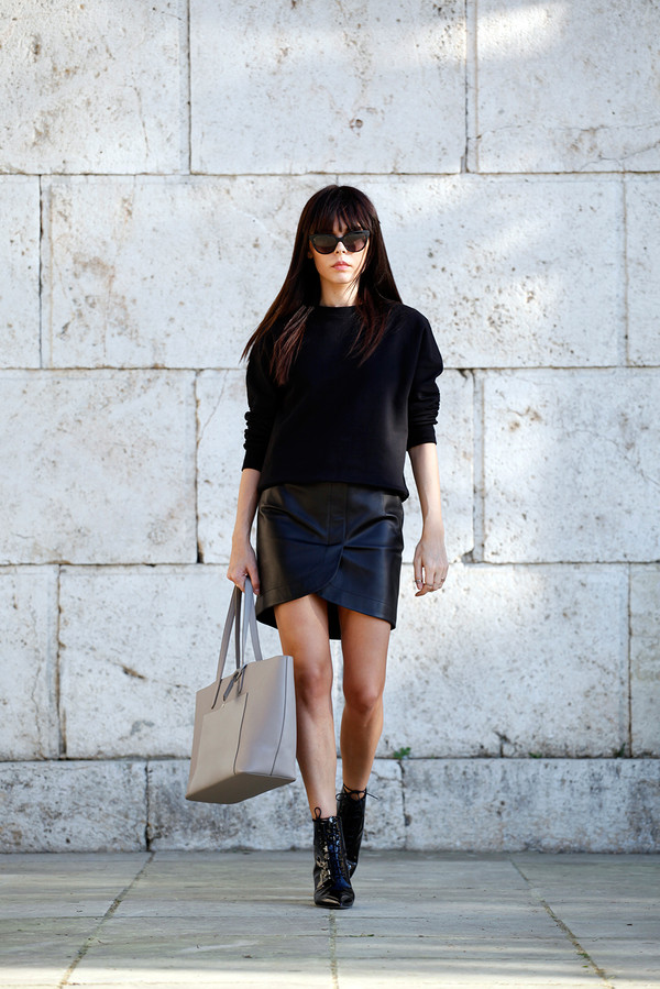 style heroine bag skirt sweater shoes sunglasses jewels