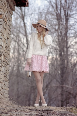 charmeuse blogger pink skirt white sweater fuzzy sweater floppy hat