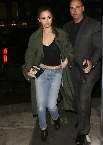 jeans selena gomez spring outfits spring coat boots clutch