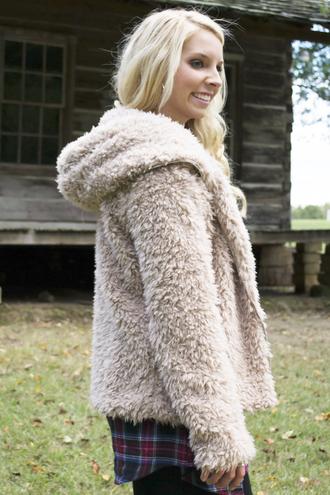 soft warm fall outfits beige siloe