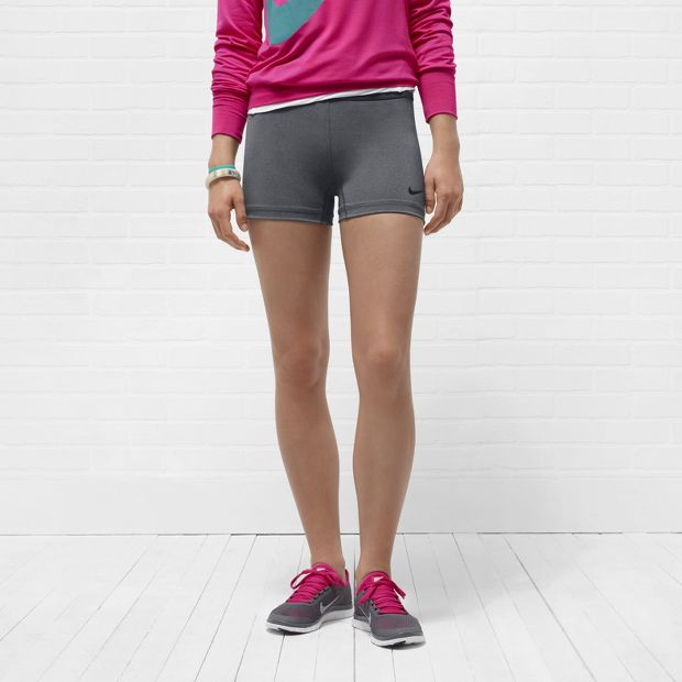 Nike Pro Essential 6.35cm Women's Shorts