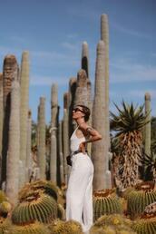 sophie van daniels,fashion & lifestyle blog with an addiction to interiør design,blogger,top,sunglasses,pants,bag,shoes