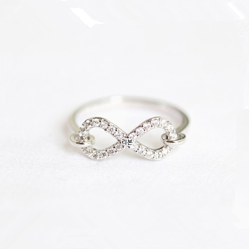 Infinity CZ Ring on Luulla