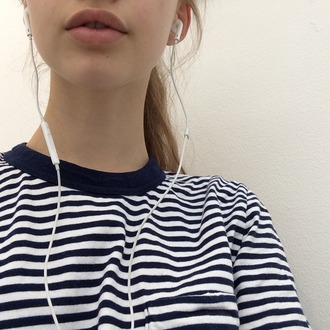 clothes sea ocean style white and blue white and blue sweatshirt sweater white and blue sweater