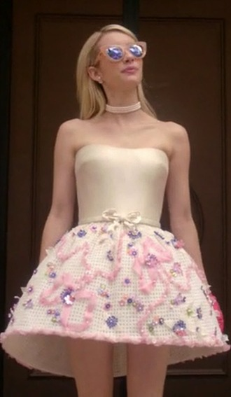 sunglasses chanel oberlin scream queens emma roberts strapless dress
