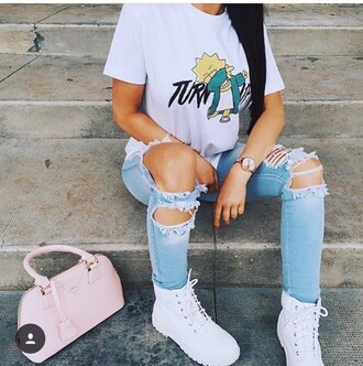 top t-shirt lisa simpson the simpsons white urban nike dab white t-shirt grey graphic tee graphic crop tops crop tops streetstyle dabs shirt turn up dabbing turnt jeans ripped jeans shoes timberlands white timberlands