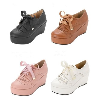 shoes pink white black fashion style lace up brown winter outfits lolita kawaii cute girly classy platform shoes caramel footwear back to school
