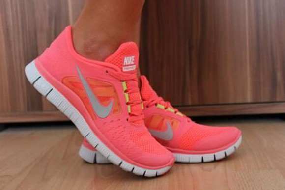shoes coral white red free run nike women nike nike running shoes nike free run sportswear sports shoes running shoes nike sneakers sneakers fashion fashion squad