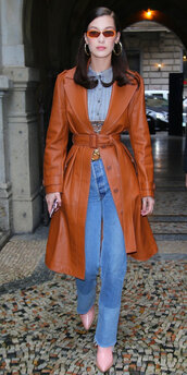 coat,belt,trench coat,streetstyle,milan fashion week 2018,fashion week,bella hadid,model off-duty,top,jeans