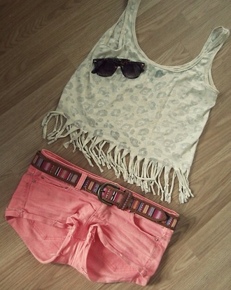 tank top shorts top white shirt cute! summer time coral shorts! coral