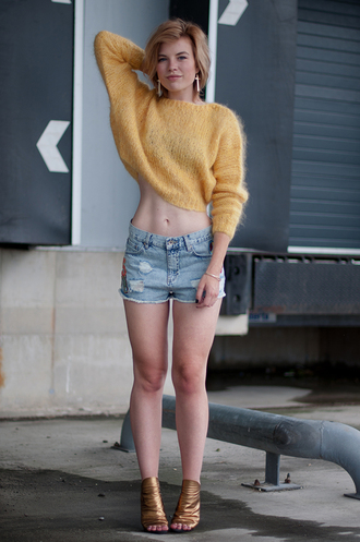 red reiding hood shoes jewels sweater shorts
