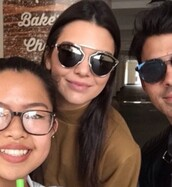sunglasses,kendall jenner,keeping up with the kardashians,celebrity style,model,model off-duty,Accessory,retro sunglasses,black sunglasses,mirrored sunglasses,glasses,sunnies