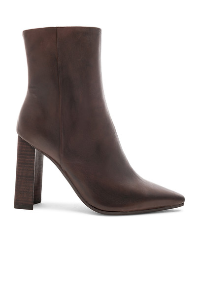 Tony Bianco Castro Boot in chocolate
