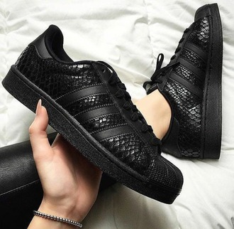 shoes adidas superstar black snake print