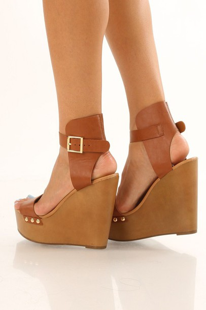 shoes cognac wooden wedges