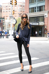 something navy,blogger,jeans,top,shoes,bag,sunglasses,pants,tumblr,black pants,skinny pants,pumps,pointed toe pumps,high heel pumps,embellished,shirt,blue shirt,black bag,black sunglasses