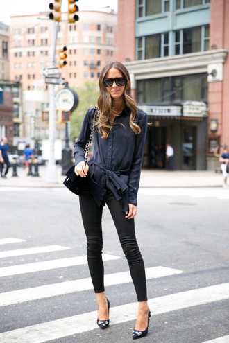 something navy blogger jeans top shoes bag sunglasses pants tumblr black pants skinny pants pumps pointed toe pumps high heel pumps embellished shirt blue shirt black bag black sunglasses