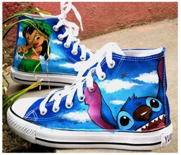 shoes lilo and stich !!! what ?!?!? #must have converse ❤️❤️