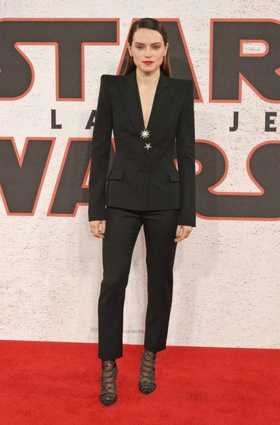 jacket daisy ridley blazer black blazer suit pumps