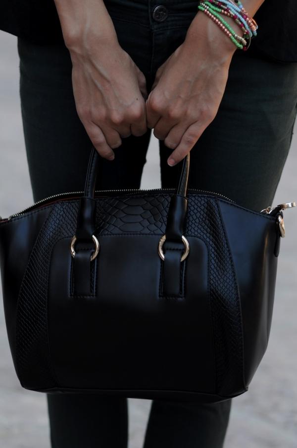 Crocodile Skin Pattern Shoulder Bag - OASAP.com