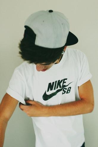 t-shirt nike nike t shirt mens t-shirt nike sb hat guys white