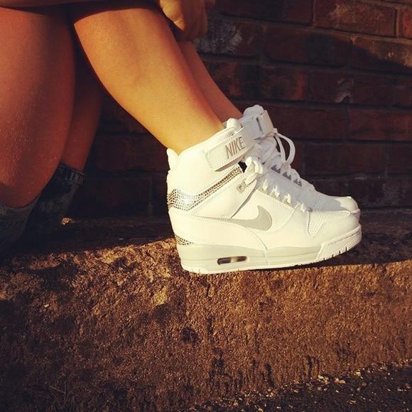 white shoes nike swag