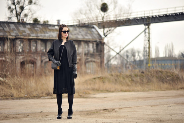 shiny sil blogger all black everything black dress