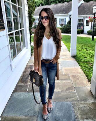 mrscasual blogger cardigan shoes jeans belt tank top jewels sunglasses bag louis vuitton louis vuitton bag skinny jeans