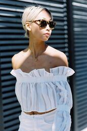 top,ruffled top,white top,crop tops,white crop tops,necklace,sunglasses,tortoise shell sunglasses,the haute pursuit,off the shoulder,off the shoulder top,bardot top,jewels,jewelry,blogger,white off shoulder top