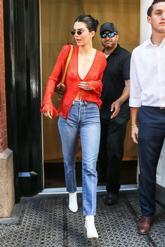 shoes ankle boots white boots kendall jenner kardashians model off-duty top jeans streetstyle
