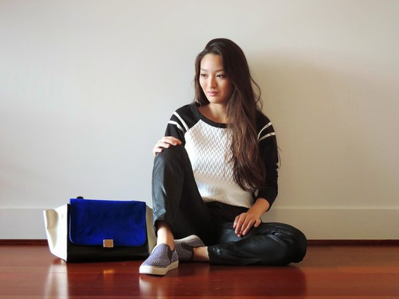 vans top blogger bag jeans sensible stylista black and white