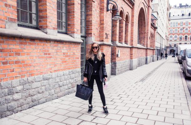 kenza blogger shearling jacket celine bag all black everything