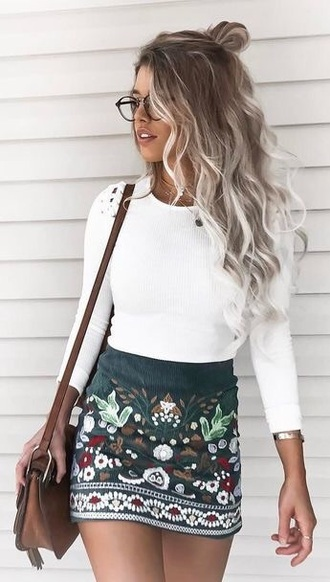 skirt embroidered green flowers