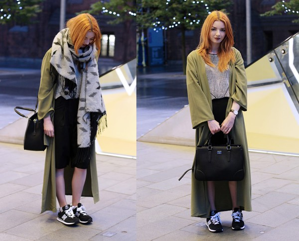 hannah louise fashion blogger scarf bag jewels sneakers khaki boyfriend coat