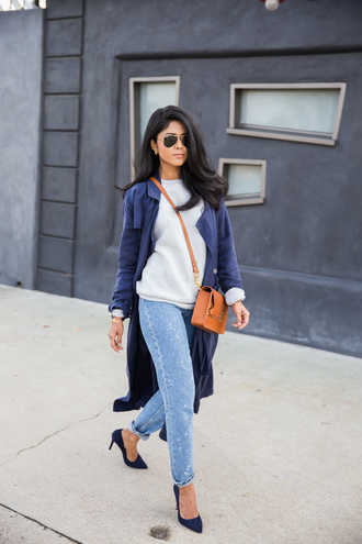 walk in wonderland blogger straight jeans blue coat trench coat orange bag sports sweater grey sweater blue jeans denim pointed toe pumps pumps high heel pumps crossbody bag aviator sunglasses
