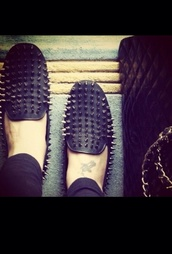 shoes,loafers,spiked,studded shoes,smoking slippers