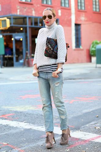 brooklyn blonde jeans t-shirt bag shoes jewels