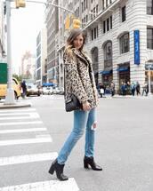 bag,black bag,handbag,black boots,ankle boots,jeans,leopard print,coat