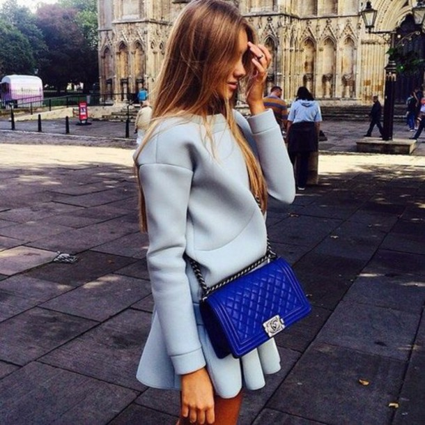 dress chanel inspired blue bag blue sweater all blue All blue outfit blue bag chanel chanel bag chanel boy chanel boy bag boy bag top sweatshirt skirt mini skirt blue skirt spring outfits