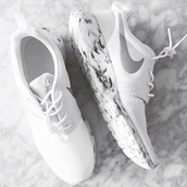 shoes,nike,nike running shoes,nike shoes,white,white shorts,white sneakers,casual,style,beautiful,white shoes,nike roshe run,white marble,marble,nike sneakers,nikes,roshe runs
