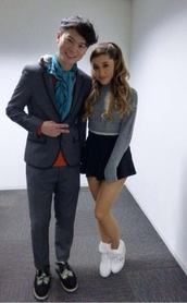sweater,ariana grande,cute,grey,lovely,girly,shoes,fluffy,cool,90s style,goth,pastel goth,skirt
