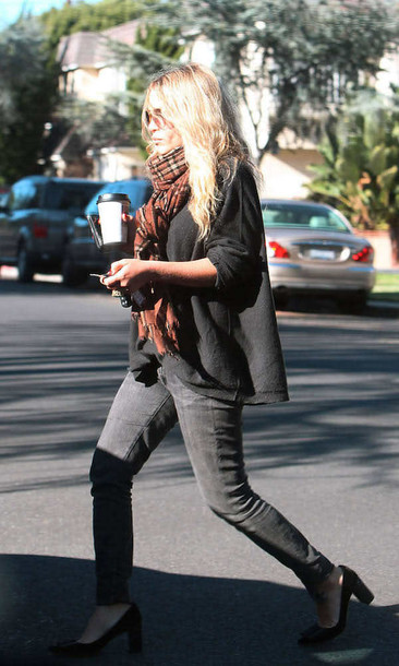 scarf rayban mary kate olsen skinny jeans jeans sunglasses shoes sweater