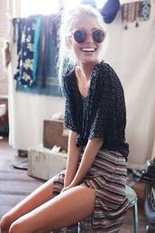 shirt,skirt,blouse,clothes,black blouse,boho,top,sunglasses,pink sunglasses,round sunglasses,summer,tumblr,t-shirt