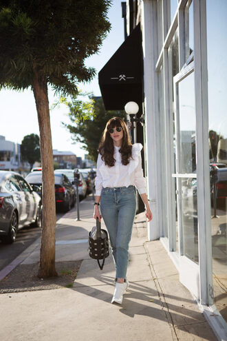 jeans and a teacup blogger shirt jeans shoes bag sunglasses jewels ankle boots blouse fall outfits