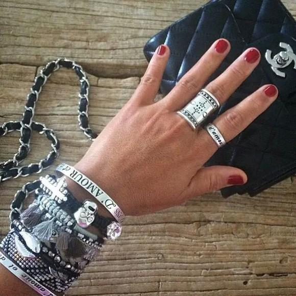 jewels bracelets reminiscence